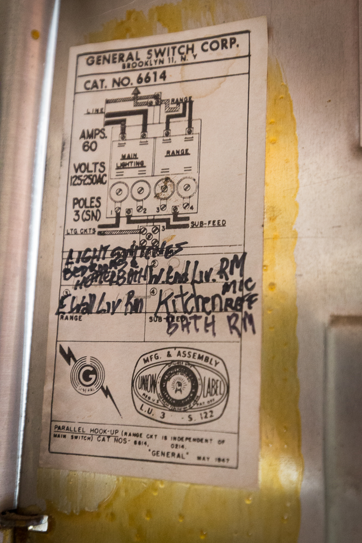 fuse blown 19?w=550&h=825 after old fuses blew, took a walk smilecalm old 30 amp fuse box at webbmarketing.co